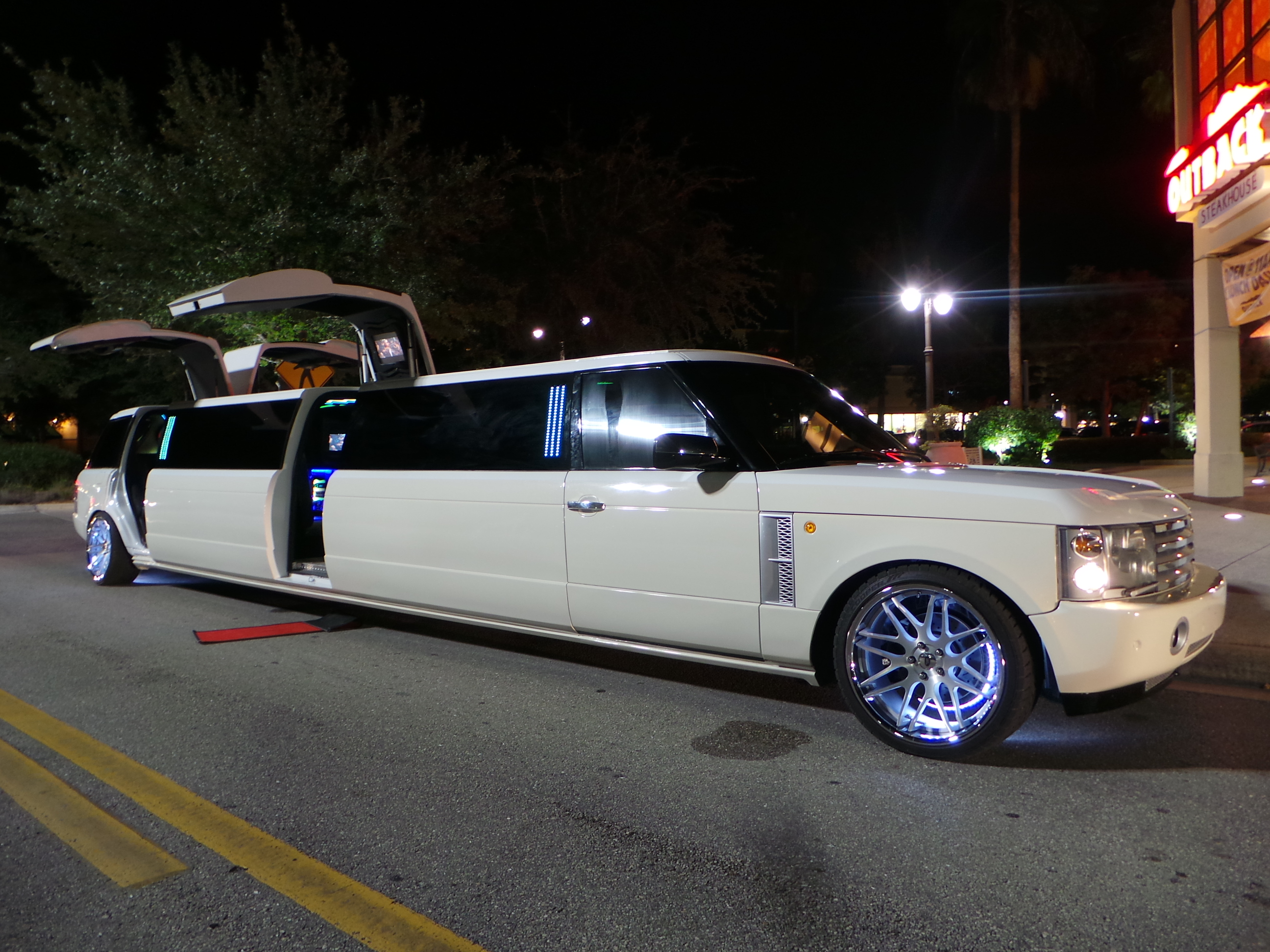 Range Rover Limo Light Up Rims Florida